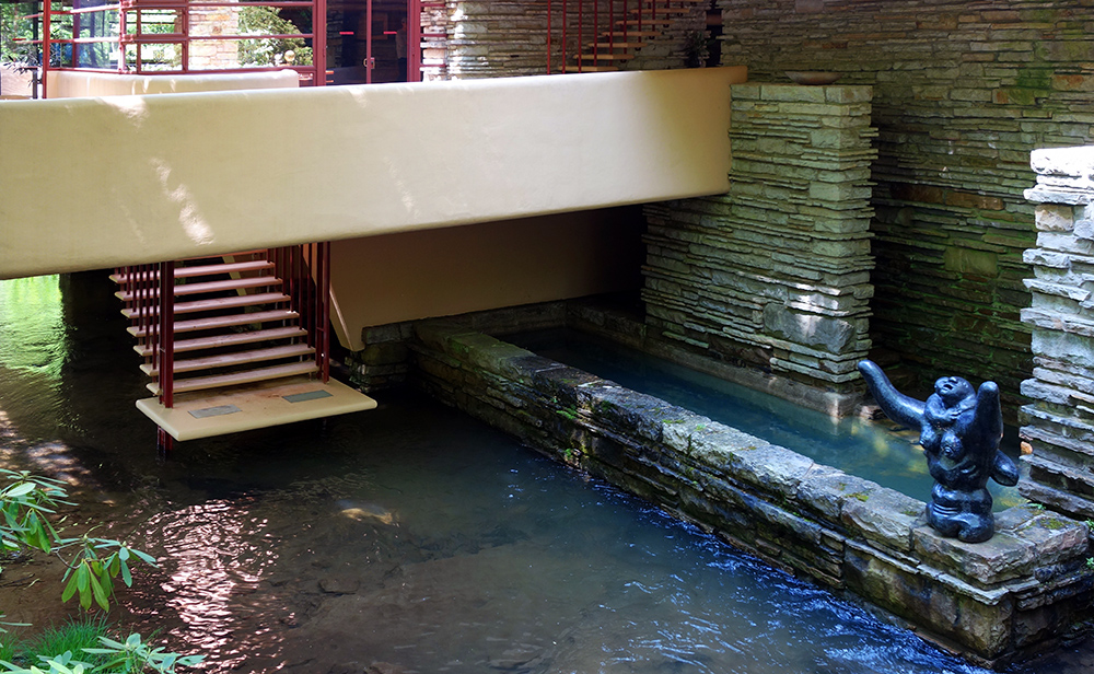Frank Lloyd Wright,  Fallingwater, steps to stream (aka Kaufmann Residence), Bear Run, Pennsylvania (photo: Daderot, CC0 1.0) http://commons.wikimedia.org/wiki/File:Fallingwater_-_DSC05600.JPG