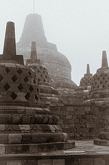 Borobudur, central stupa, photo: pierre c. 38 (CC BY-NC-SA 2.0)