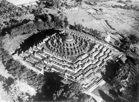 Aerial photo of Borobudur (Tropenmuseum Collection)