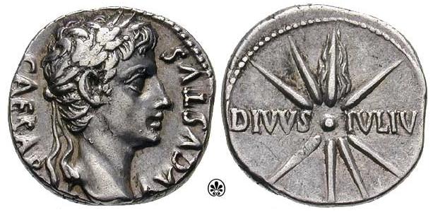 """İmparatoru başında şeref ve zaferi simgeleyen bir defne çelengi ile tasvir eden Roma madeni paraları ; üzerindeki ifade """"DIVVS IVLIV(S)"""" tanrılar ile bir bağ olduğunu kastediyor."""