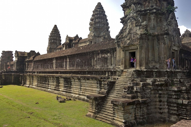 Angkor wat cambodia article khan academy for Wat architecture