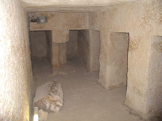 Pyramid of Menkaure, chamber with niches