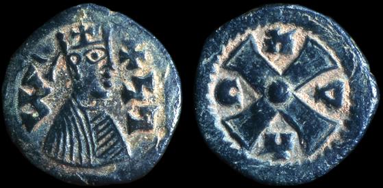 Coin of King Joel, 6th century C.E., Aksum, modern Ethiopia © Trustees of the British Museum