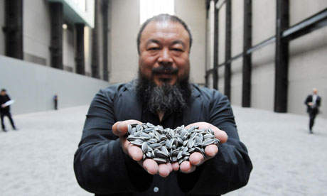 Ai Weiwei, Sunflower Seeds, 2010, one hundred million hand painted porcelain seeds (Tate Modern)