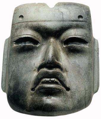 Máscara de estilo olmeca, c.  1470, jadeíta, oferta 20, hornblenda, 10,2 x 8,6 x 3,1 cm