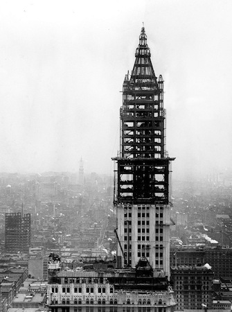 Woolworth building under construction, 1912 (photo: Bain News Service, Library of Congress)