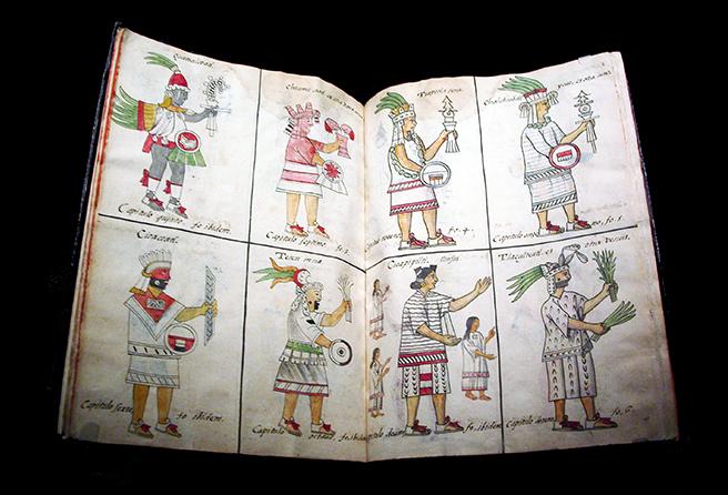 Deidades aztecas, Bernardino de Sahagún y colaboradores, Historia General de las Cosas de la Nueva España, también llamado Códice Florentino, vol.  1, 1575-1577, acuarela, papel, vitela contemporánea encuadernación española, abierta (aprox.): 32 x 43 cm, cerrada (aprox.): 32 x 22 x 5 cm (Biblioteca Medicea Laurenziana, Florencia, Italia)