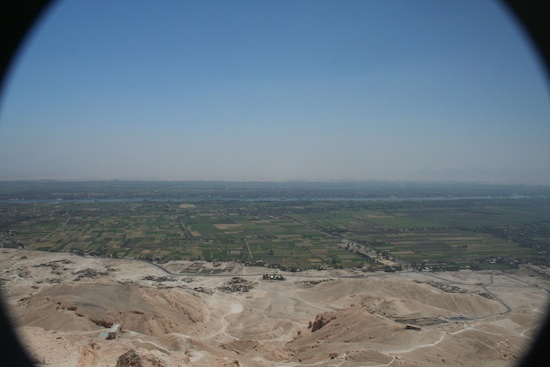 View from the high peak of the Theban hills showing the sharp delineation between the lush Valley and the barren desert. Photo: Dr Amy Calvert