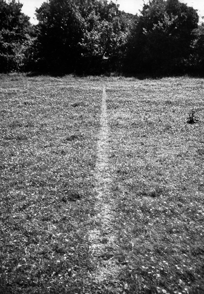Richard Long, A Line Made by Walking England, 1967 © Richard Long