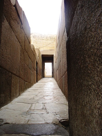 View up the causeway from Khafre's valley temple towards his pyramid (Photo:Dr. Amy Calvert)