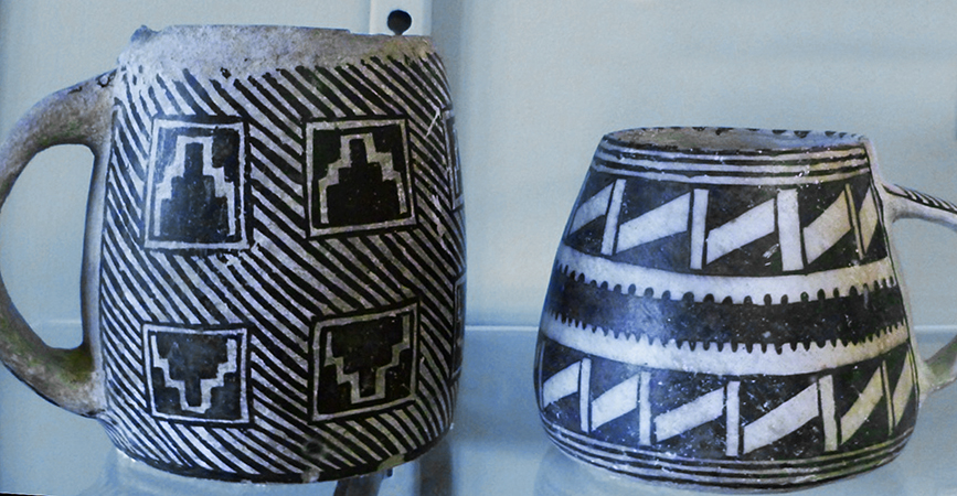 Mugs found at Mesa Verde (photo: by the author, Mesa Verde Museum)