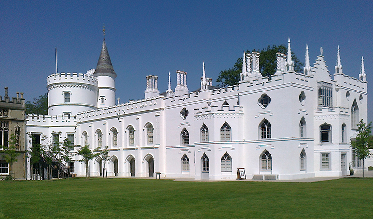 Strawberry Hill House from garden in 2012 after restoration (photo: Chiswick Chap, CC BY-SA 3.0)