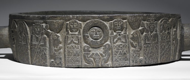 Inca carved stone vessel, late 15th century, Inca Colonial, basalt, 18 x 50 x 67 cm © Trustees of the British Museum