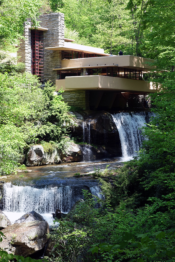 Frank Lloyd Wright, Fallingwater, steps to stream (Edgar J. Kaufmann House), Bear Run, Pennsylvania (photo: Daderot, CC0 1.0) http://commons.wikimedia.org/wiki/File:Fallingwater_-_DSC05639.JPG