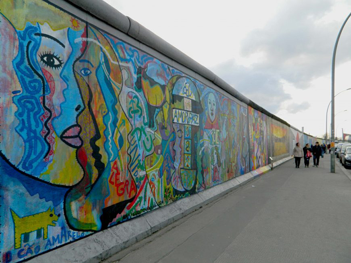 The Berlin Wall as a political symbol (article) | Khan Academy